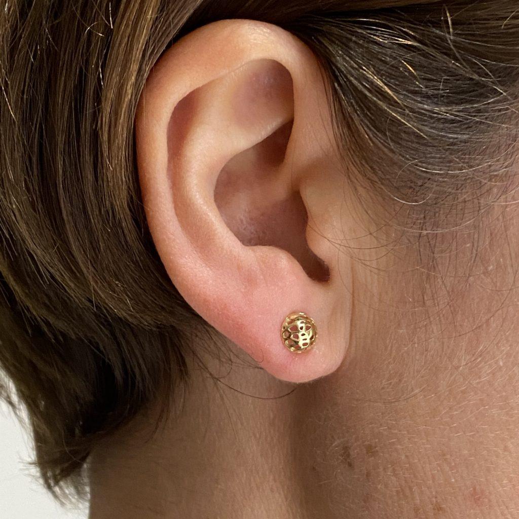 3. opengwerkte oorstekers
